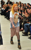 lfw vivienne westwood red label catwalk 170213