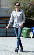 teri hatcher garage sale 020313
