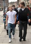 Niall Horan and Harry Styles heading to TGI Fridays