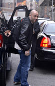 joe rogan outside his hotel 110413