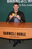 michael buble signs copies of his new album 230413