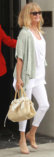 goldie hawn leaves lunch at spagos 240413