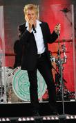 rod stewart performs live at jimmy kimmel live! 060513
