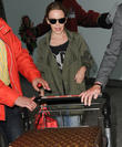 kylie minogue at heathrow 090513