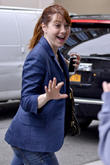 alyson hannigan enters her hotel 150513