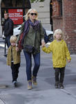 naomi watts collects her children from school 150513