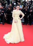Fan Bingbing Braves Downpour To Receive Award At Cannes