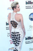 Miley Cyrus - 2013 Billboard Music...