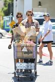 halle berry and olivier martinez seen grocery shopp 200513