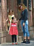 sarah jessica parker out with her twins in nyc 200513