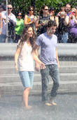 katie holmes and luke kirby filming mania days in t 210513