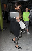 selena gomez arrives at london heathrow airport 210513