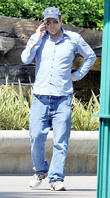 vince vaughn takes his family to disneyland for the 210513