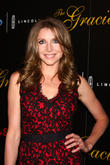 Sarah Chalke Preparing For Mother's Day With New Pregnancy
