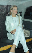 kate hudson leaves marks club 220513