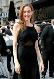 Angelina Jolie To Be Awarded Humanitarian Oscar