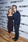 Kyra Sedgwick Chops Off Fingertip