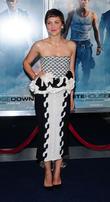 """Maggie Gyllenhaal To Star In """"Scintillating"""" BBC Spy Thriller"""