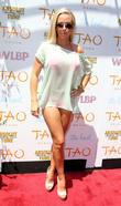 Kendra Wilkinson, TAO Beach