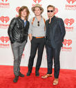 On 20th Anniversary Of 'MMMBop', Hanson Tell Us We've All Been Singing It Wrong