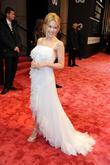 Kylie Minogue, Komische Oper