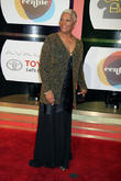 Dionne Warwick In Talks To Tour With Billy Ray Cyrus