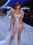 Karlie Kloss, Lexington Avenue Armory, Victoria's Secret