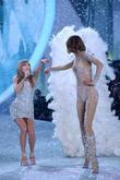 Taylor Swift, Karlie Kloss, Lexington Armory, Victoria's Secret