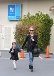 Sarah Michelle Gellar and Charlotte Prinze