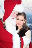 Santa Claus, Ariana Grande, Macy's