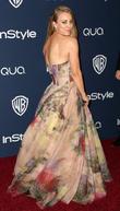 Kaley Cuoco, Oasis Courtyard at the Beverly Hilton Hotel, Golden Globe Awards, Beverly Hilton Hotel