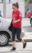 Pregnant Olivia Wilde wearing no make-up