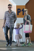 Amy Adams takes daughter to ballet class