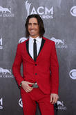 Jake Owen Invites Country Music Sceptics To Concert
