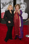 Kim Novak Attacks 'Bullies' Who Were Mean About Her Oscars Appearance