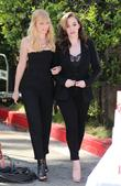 Kat Dennings, Beth Behrs, Universal Studios