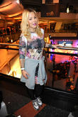 Leona Lewis, Leonore Leo Bartsch, Alexa shopping mall