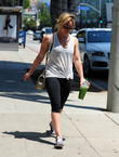 Hilary Duff stops off for a health shake at Starbucks