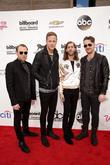 Ben Mckee, Dan Reynolds, Wayne 'wing' Sermon, Daniel Platzman and Imagine Dragons