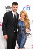 Shakira's Boyfriend Gerard Pique Clashes With Airport Paparazzi