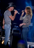 Tim McGraw And Faith Hill Are Back On The Road For Soul2Soul: The World Tour