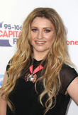 Ella Henderson Holds Firm At No.1 With 'Ghosts'