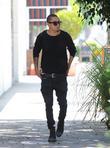 Evan Ross strolls in skinny jeans