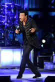 Lionel Richie & Reba Join Bocelli At Italian Fight Night Bash