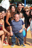 Warwick Davis And Cilla Black Back Heart Disease Campaign