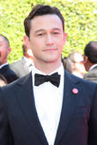 Watch Joseph Gordon-Levitt And A Barbershop Quartet Perform Rihanna's 'BBHMM'