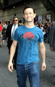 Joseph Gordon-Levitt Surprises With Secret Marriage