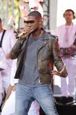 Usher, Rockeffeller Plaza, Rockefeller Plaza