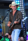 Kenny Chesney Honoured With Top Prize At Bmi Country Awards