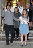 Marc Mezvinsky, Chelsea Clinton, Hiliary clinton and Bill Clinton